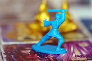 Mėlynasis vienuolis ruošiasi kovai su blogio jėgomis